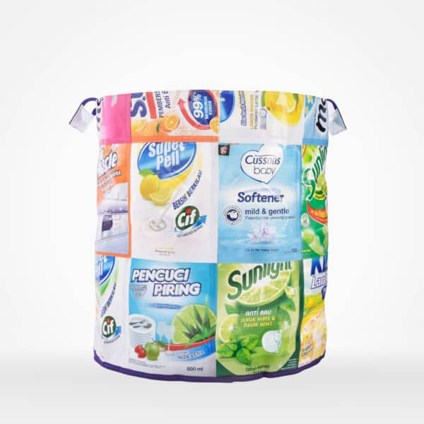 Rubbish bin (medium) by XSProject made from recycled plastic pouches